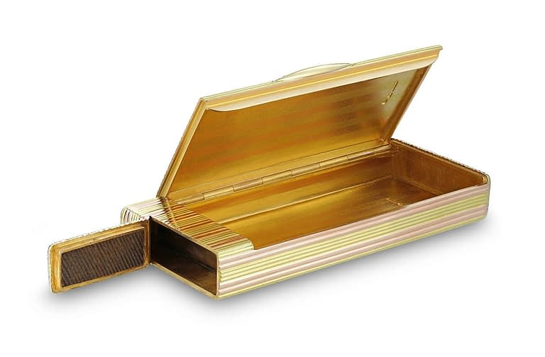 Fabergé gold cigarette case open
