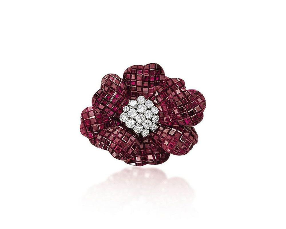 Handmade jewelry vintage Van Cleef & Arpels ruby and diamond mystery set 'pavot' brooch
