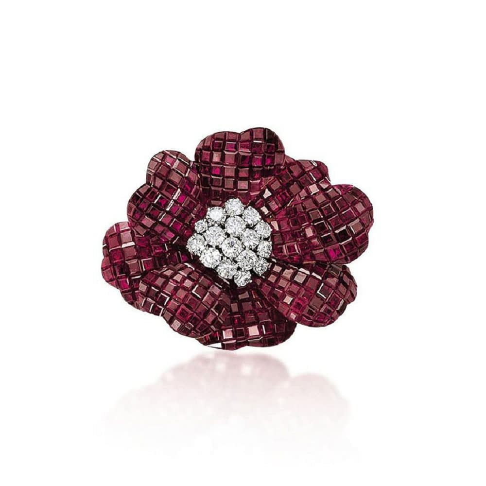 Haute joaillerie collection Van Cleef & Arpels ruby and diamond mystery set 'pavot' brooch